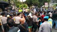 Demo Mahasiswa Papua Soal Otda di Semarang Berlangsung Ricuh Dibubarkan Polisi