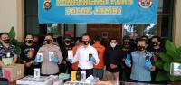 Polisi Tangkap 3 Perampok yang Menggasak 1.245 Unit Handphone