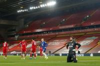Takluk dari Chelsea, Carragher Soroti Lini Depan Liverpool