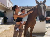 Manja nan Seksi, Begini Potret Georgina Rodriguez saat Main Bareng Kuda