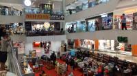 Pria Tewas Terjatuh di Tunjungan Plaza Surabaya, Seorang Pengunjung Tertimpa