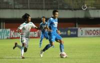 Persib Bandung unggul 3-0 atas Persebaya Surabaya di Babak Pertama