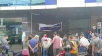 Jalan Sempoyongan, Warga Tionghoa Jatuh lalu Meninggal di Depan Bank