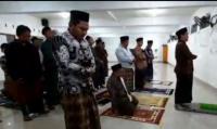 Sholat Tarawih Super Cepat di Indramayu, 23 Rakaat Cuma 6 Menit