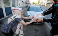"""Bantu Kesulitan Akibat Pandemi Covid-19, Masjid di Jerman Gelar """"Iftar To Go"""""""