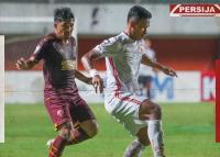 Diwarnai Hujan Kartu Kuning, PSM Makassar vs Persija Jakarta Masih 0-0 di Babak Pertama