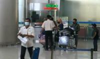 Arus Mudik Pekerja Migran Indonesia Melalui Bandara Juanda Terus Mengalir