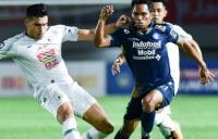 PSS Sleman vs Persib Bandung Tanpa Gol di Babak Pertama