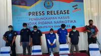 Edarkan Tembakau Gorila, Ibu-Ibu dan Pemuda Ditangkap di Kontrakan