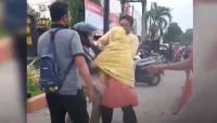 Viral! Ibu dan Putrinya yang Hamil Mengamuk Lempari Kantor Polisi dengan Batu
