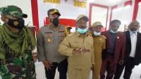 Bupati Puncak Papua Tantang KKB: Kalau Mau Perang Lawan TNI-Polri, Itu Baru Laki-Laki!