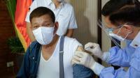 Disuntik Vaksin Covid-19 asal China yang Belum Disetujui, Presiden Filipina Minta Maaf