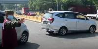 Hari Pertama Larangan Mudik, Puluhan Kendaraan Diputar Balik di Bandung