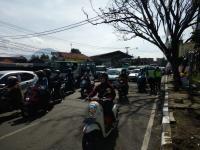 Polisi Putar Balik Ribuan Kendaraan di Jabar, Tes Antigen Digelar Masif