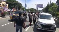 Petugas Adu Mulut dengan Pengendara Warnai Penyekatan Mudik Hari Pertama