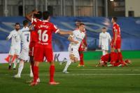Imbang 2-2 Kontra Sevilla, Real Madrid Geser Barcelona