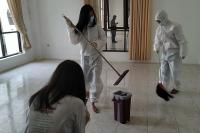 Geruduk Islamic Center Ciamis, Remaja Katolik Bersih-Bersih Ruang Isolasi Covid-19