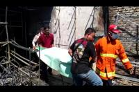 Orangtua Pergi ke Masjid, Seorang Balita Tewas Terbakar di Toko Mainan