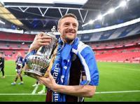Luapan Kegembiraan Jamie Vardy Usai Antar Leicester Rebut Trofi Pertama Piala FA