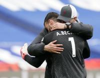 Cetak Gol Kemenangan Liverpool, Tangis Alisson Becker Pecah