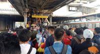 Ada Perbaikan Rangkaian Kereta, Penumpang Menumpuk di Stasiun Tanah Abang