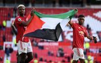 Pogba dan Diallo Bentangkan Bendera Palestina di Old Trafford, Begini Reaksi Solskjaer