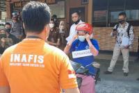 Nani 'Sate Takjil Beracun' Menangis Peragakan 34 Adegan Rekonstuksi
