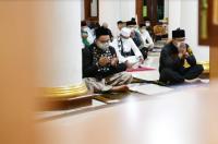 Momen Anies-Ridwan Kamil Sholat Subuh hingga Sarapan Bareng di Sumedang