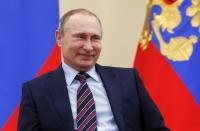 """Jelang Pertemuan, Putin Berharap Biden Tak """"Seimpulsif"""" Trump"""