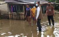 Hujan Deras, Pemukiman Warga di Mamuju Terendam Banjir