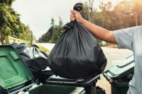 Videokan Pembuang Sampah Sembarangan di Padang Dapat Uang Rp100 Ribu, Kirim ke Sini