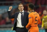 Dikecam Pengemar Timnas Belanda, Taktik Penuh Risiko Frank de Boer Masih Berhasil
