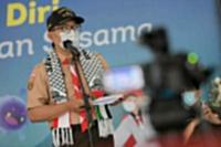 Ridwan Kamil Serahkan Bantuan Masyarakat Jabar Rp1,5 Miliar untuk Palestina