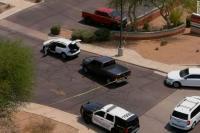 Pria Bersenjata Menembak Secara Acak dari dalam Mobil, 1 Tewas, 13 Terluka