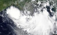 Badai Tropis Dekati Pantai Teluk AS