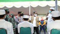 Tekan Laju Covid-19, Kepala BNPB Tinjau Pelaksanaan Vaksinasi di Bangkalan