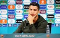 Cristiano Ronaldo dan Pogba Geser Botol Sponsor Piala Eropa 2020, Ini Tanggapan Southgate