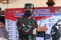 Cek Posko PPKM Mikro di Madiun, Panglima: Tegakkan Prokes!