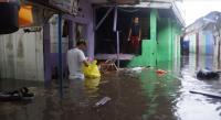 Diguyur Hujan, Rumah Warga di Bandung Sempat Terendam 1,5 Meter