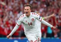 Tendangan Jarak Jauh Mikkel Damsgaard Buat Denmark Unggul Atas Rusia di Babak Pertama