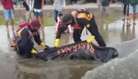 Lepas Pengawasan Orangtua, Bocah SD Tewas Terseret Ombak Pantai di Padang