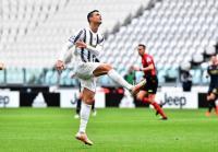 Cristiano Ronaldo Resmi Bertahan di Juventus, Jose Mourinho Ketakutan
