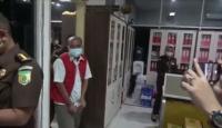 Diduga Korupsi Rp35 Miliar, Mantan Pimpinan Bank Sumut Ditahan Kejati