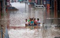 Orang-Orang Bersatu Padu di Medsos Bantu Korban Banjir