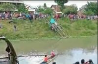 Ada Mayat Terapung di Sungai Tulungagung, Malah Menjadi Tontonan Warga