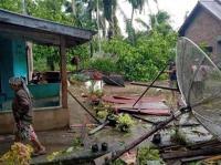 Angin Puting Beliung Terjang Permukiman Warga Batu Bara, Puluhan Rumah Rusak