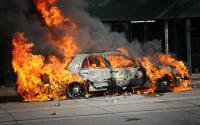 Mobil Terbakar karena Korsleting Listrik, Sopir Kabur