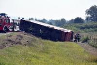 Sopir Ngantuk Sebabkan Bus Tergelincir, 10 Orang Tewas, 45 Terluka