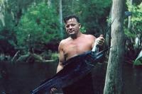 Pria Ini Hidup Liar bak Tarzan, Tinju Buaya hingga Makan Kura-Kura