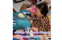Viral Kisah Pemuda Telaten Rawat Ibunya yang Lumpuh, Berhasil Lulus Bintara Polri